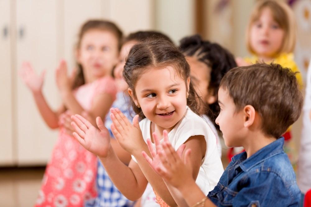 clapping con bambini