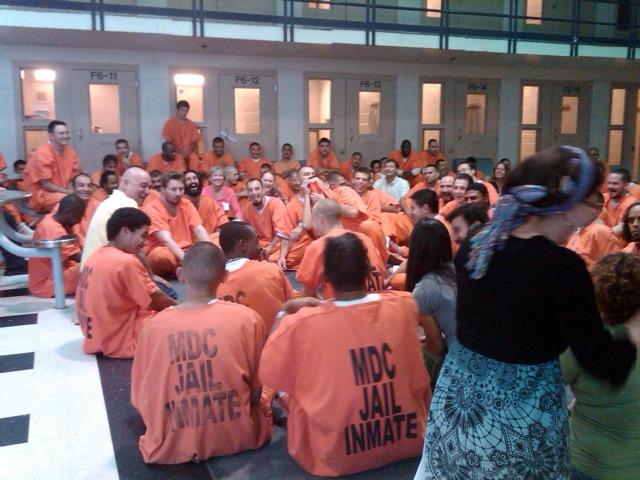 yoga-della-risata-in-carcere