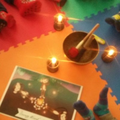 Yoga della Risata e bambini: il progetto triennale in Scuola Primaria in inglese di Silvia Martorelli e la nascita di Jonkey The Monkey