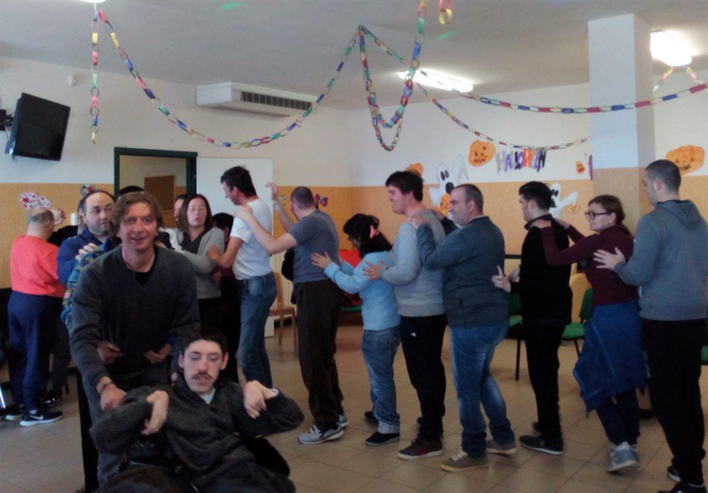 yoga della risata e disabilità
