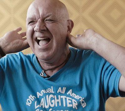 Guarire ridendo – Merv Neal, il multimilionario a cui resta una settimana di vita, inizia a ridere e guarisce