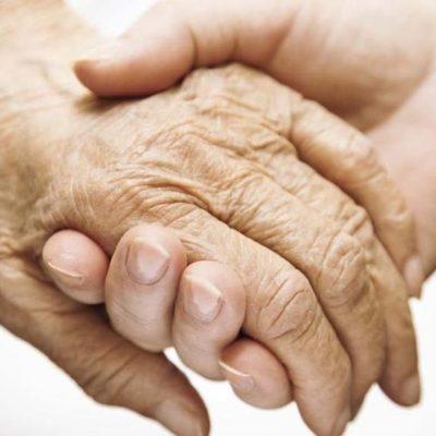 Yoga della Risata con pazienti affetti da Demenza Senile e Alzheimer – Consigli di conduzione